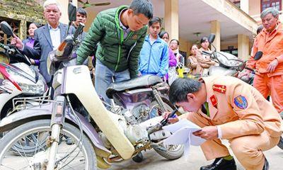 Người dân Hà Nội đăng ký sang tên đổi chủ xe máy tăng vọt