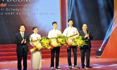 Học sinh đoạt giải Olympic quốc tế nhận Huân chương Lao động hạng ba