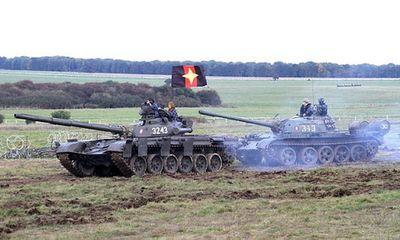 Anh mượn xe tăng Nga để tập trận