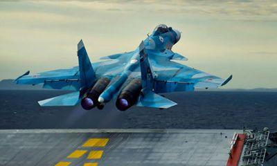 Tiêm kích Su – 33 của Nga rơi xuống biển do đứt dây hãm đường băng