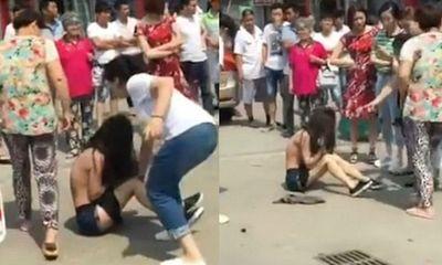 'Sát thủ nhân tình' Trung Quốc chuyên giúp các bà vợ đánh ghen