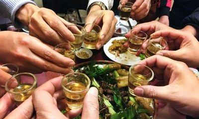 Cách chăm sóc ông xã tránh bị say rượu, hại sức khỏe dịp Tết