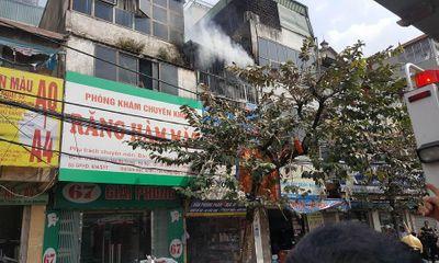 Căn nhà 2 tầng bốc cháy dữ dội trên đường Giải Phóng