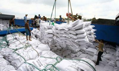 """Bộ Công Thương xác minh tin """"lót tay"""" 20.000 USD mới được xuất khẩu gạo"""
