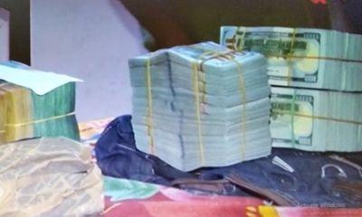 Công an Hậu Giang trả lại số ngoại tệ trị giá trên 9,5 tỉ đồng cho chủ