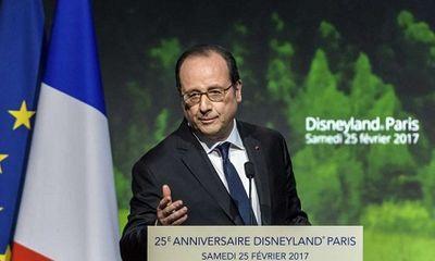 Súng cảnh sát bị cướp cò khi bảo vệ tổng thống Pháp làm 2 người bị thương