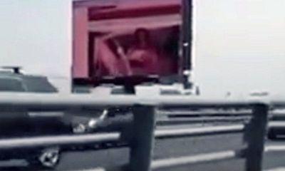 Lính cứu hỏa tử vong vì cố tắt bảng quảng cáo chiếu phim