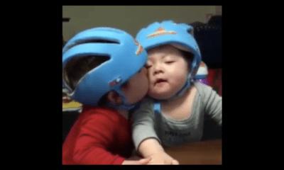 Clip hài: Chết cười với pha cưỡng hôn cực kute