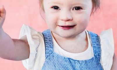 Bé gái 2 tuổi bị Down trở thành mẫu ảnh của nhãn hàng thời trang trẻ em