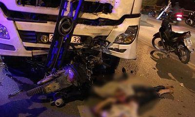 Xe máy đấu đầu xe bồn, 3 thanh niên chết thảm