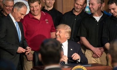 Vì sao TT Trump đi ngược dòng cả thế giới về chống biến đổi khí hậu?