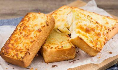 Bánh mì nướng phô mai tỏi – thơm ngon giòn tan