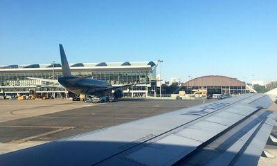 Vướng giàn phun bê tông, máy bay phải chuyển hướng bay vòng ở Đà Nẵng
