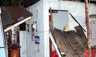 TP Hồ Chí Minh: Giống lốc khiến hàng chục căn nhà bị tốc mái