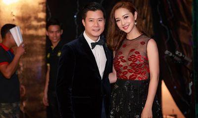 Jennifer Phạm gợi cảm diện váy xuyên thấu hội ngộ chồng cũ Quang Dũng