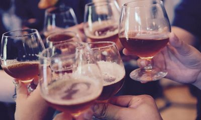 Bộ Y tế đề xuất cấm bán rượu bia tại quán karaoke