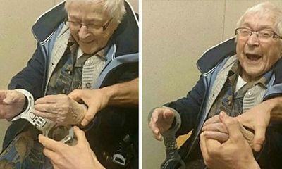 Cụ bà 99 tuổi ước nguyện được vào nhà tù để… trải nghiệm
