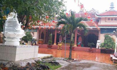 Camera ghi hình 2 người phụ nữ trộm chuông cổ tại chùa