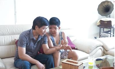 Quốc Tuấn - người cha vĩ đại của showbiz và hành trình 15 năm chữa bệnh hiếm gặp cho con trai