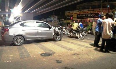 Tài xế ô tô gây tai nạn rồi bỏ chạy gây náo loạn đường phố vì sợ bị đánh