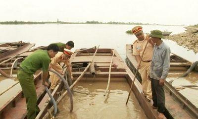 Bắt quả tang 4 tàu khai thác cát trái phép