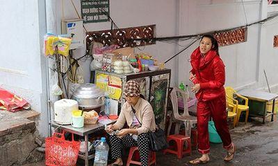 Lạ lẫm: Người Hà Nội mặc áo rét giữa mùa hè