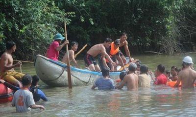 Tìm thấy thi thể 2 học sinh bị nước cuốn mất tích ở Quảng Ngãi