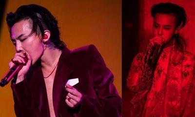 G-Dragon bị fan nữ say rượu nhảy lên sân khấu ôm chặt không buông