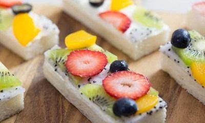 Cách làm bánh sandwich hoa quả cho bữa ăn ngày hè, tốt cho sức khỏe