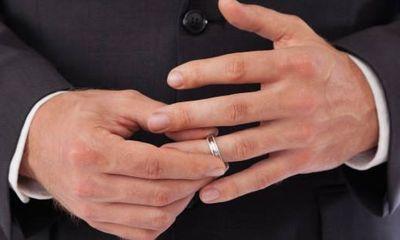 Cảnh giác với những ông chồng này: Khả năng ngoại tình khá cao
