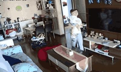 Phẫn nộ bảo mẫu đốt nhà làm chết bà mẹ và 3 đứa trẻ