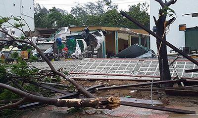 Chùm ảnh bão số 2 càn quét Nghệ An- Hà Tĩnh