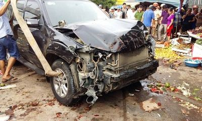 Nhân chứng vụ cán bộ huyện lái xe biển xanh gây tai nạn chết người: Nạn nhân nằm la liệt