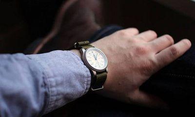 Có nên mua đồng hồ cơ nam hay không?