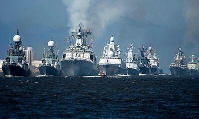 100 tàu chiến Nga diễu hành kỷ niệm Ngày Hải quân