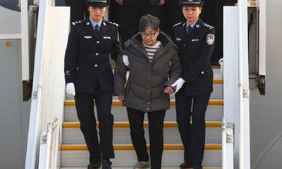 Nữ quan tham Trung Quốc về nước đầu thú sau 19 năm lẩn trốn