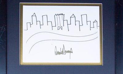 Cận cảnh bức tranh của Tổng thống Trump được bán đấu giá 29.000 USD