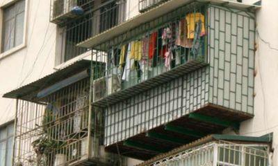 """Video: Hiểm họa từ việc cơi nới ban công chung cư thành """"chuồng cọp"""""""