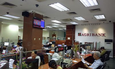 """Chương trình """"Quà tặng tưng bừng - Chào mừng Quốc khánh"""" với cơ hội trúng hàng nghìn phần thưởng khi gửi tiền tại Agribank"""