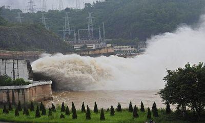 Lệnh 3 thủy điện Hòa Bình, Sơn La, Tuyên Quang đồng loạt xả lũ khẩn cấp
