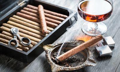 Những phụ kiện thiết yếu cho dân hút xì gà