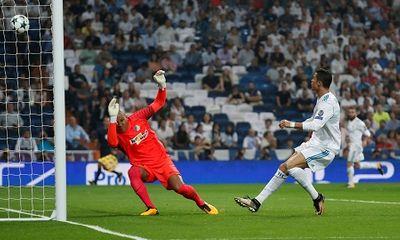 Ronaldo tỏa sáng lập cú đúp, Real đè bẹp APOEL