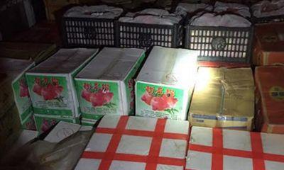 Bắt lô trái cây Trung Quốc nhập lậu gắn mác Mỹ