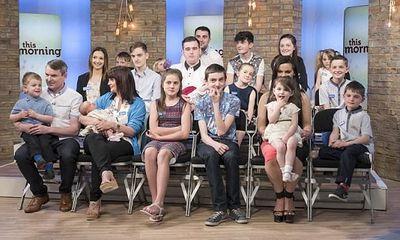 Gia đình đông con nhất nước Anh tuyên bố 20 đứa là đủ