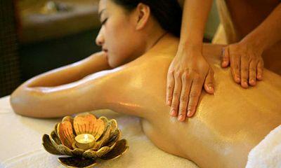 Dịch vụ massage nhạy cảm cho quý bà: Những trò biến tướng kỳ dị!