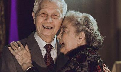 Chuyện tình xuyên thế kỷ: Khi cụ ông gần 90 tuổi vẫn xách cặp lồng mua phở cho cụ bà