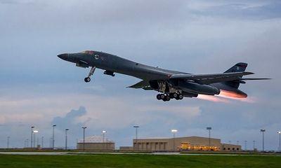 Mỹ điều 2 máy bay ném bom chiến lược B-1B tập trận gần bán đảo Triều Tiên