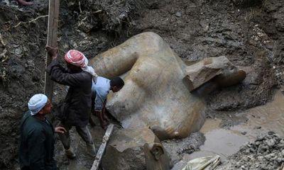 Năm 2017: Tượng Pharaoh Ramses II 3000 năm tuổi được tìm thấy tại khu ổ chuột Cairo