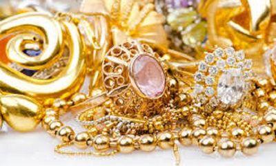 Giá vàng hôm nay 12/10: Vàng tiếp tục trên đà tăng cao