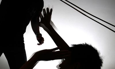 Làm rõ nghi án cha dượng 69 tuổi sát hại con riêng của vợ
